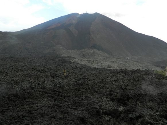 My Thrilling Hike In Active Volcano Of Guatemala